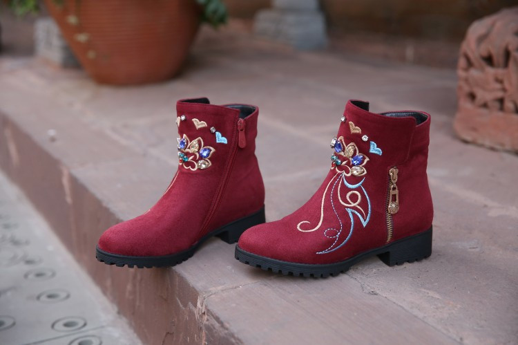 2016 New Winter Suede Women's Platform Chunky Heels Ankle Boots Round Toe Casual Retro Diamond Embroidery Female Booties