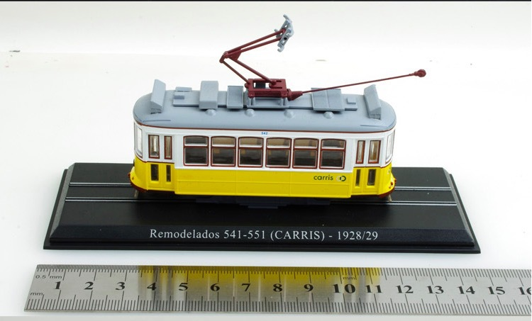 Tramcar 1/87 Remodelados 541-551 CARRIS 1928/29 Scale Display Railway Train model Diecast Model Collection(China (Mainland))