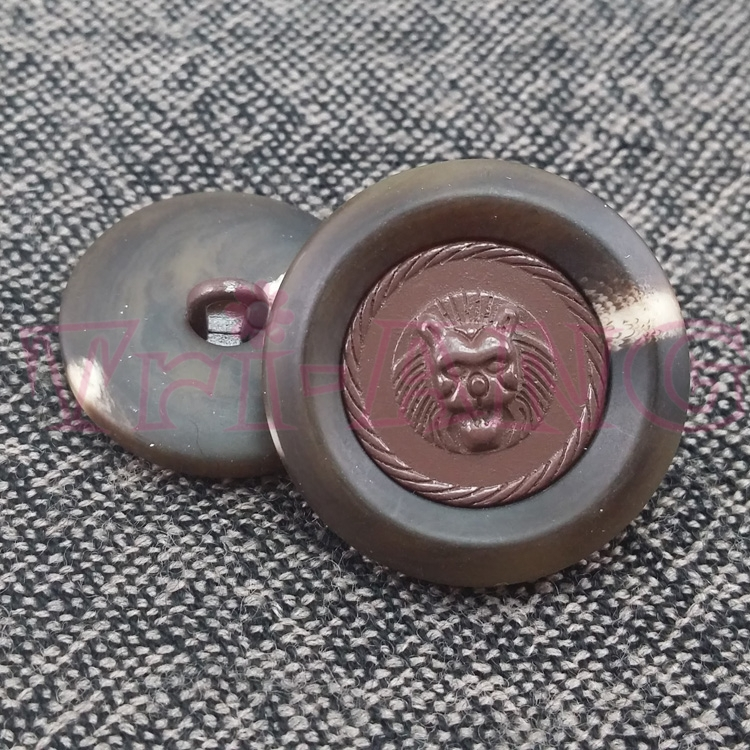 100pcs /lot 18mm Combined Resin Buttons Lion Face Image Knitwear Shirt Clothes Accessories(China (Mainland))