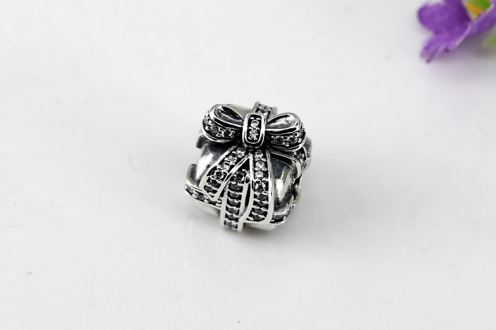 Authentic 100% 925 Sterling Silver Beads Full Crystal Christmas Gift Box Charms Fit Pandora Bracelets & Bangles DIY Jewelry