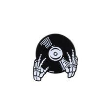 Красивые Броши Эмаль Булавка Череп Роза значок Скелет Панк джинсовые куртки с лацканами для женщин Хэллоуин Ювелирная коллекция подарок дл...(China)