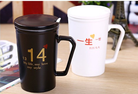 Ceramic Couple Mug White Black Handgrip With Spoon Milk juice water Coffee Cups and Mugs 250ml