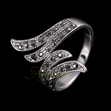 290 Ajojewel 18K White Gold Plated Retro Black Rhinestone Angel Wings Women Vintage Ring(China (Mainland))