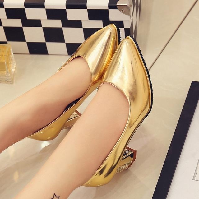 2015 новых прибыть женская мода середина пятки красные нижние обувь женская золото ...