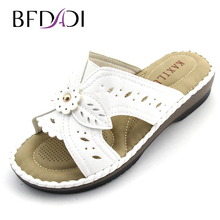 2016 Summer new fashion lady Wedges shoes Flowers hollow at home with non-slip soft bottom women sandals and slippers 1623