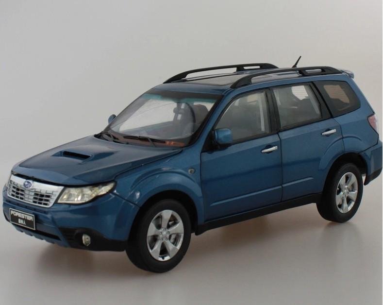 2015 hot sell SUBARU FORESTER 1:18 alloy car model(China (Mainland))