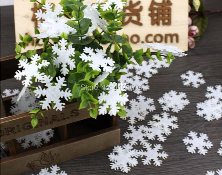 2014 free shipping 100pcs/lot White felt Christmas Snowflake for Christmas Tree and wedding decoration(China (Mainland))