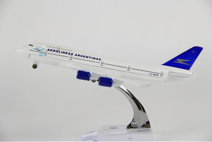 plane model Boeing 747 Argentina Airlines aircraft B747 Metal simulation airplane model for kid children toys Christmas gift(China (Mainland))