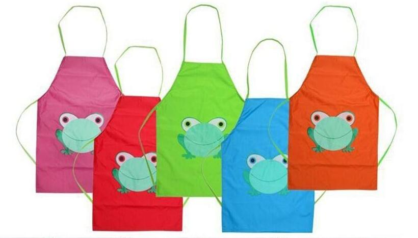 freeshipping 10pcsCute Kids Child Children Waterproof Apron Cartoon Frog Printed Painting Cooking Apron in stock wholesale(China (Mainland))