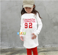 Brand 100% Cotton kids girls long sleeve T shirt White Red color handbag letters hip bottoming shirt KTX18A24(China (Mainland))