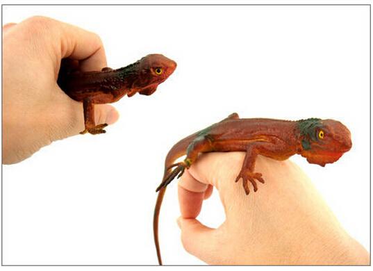 Reptiles lagartos figura de goma de broma broma Gag juguetes animales de los inocentes día de Halloween(China (Mainland))