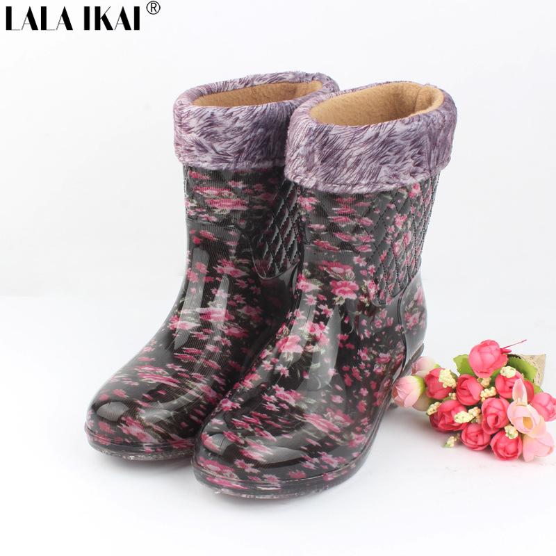 LALA IKAI Women Floral Print PVC Rain Boots Short Plush Inside Autumn/Winter Round Toe Ankle Rain Boots Fur Shoes XWN1036-5(China (Mainland))