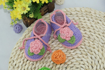free shipping,handmade crochet baby shoes,100% crochet.Double soles,baby Crib Shoes Slippers Houseshoes Purple and pink
