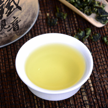 2015 new top chinese Green food oolong tea oolong Tieguanyin 250 g a pack chinese milk