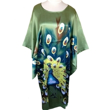 Hot Sale Green Ladies Robe Spring Chinese Women Rayon Sleepwear Loose Bath Gown Nightgown Peafowl One Size Mujer Pijama S4020(China (Mainland))
