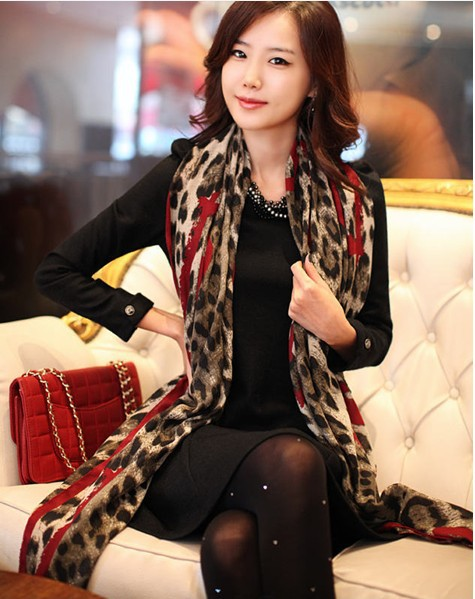 Women's fashion voile scarves large size turban lepoard and heart design hijab 204323(China (Mainland))