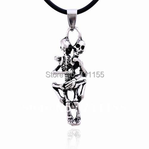Wholesale Vintage Style Silver Sexy Skull Pendant Cool Stainless Steel Sex Women Men Necklace
