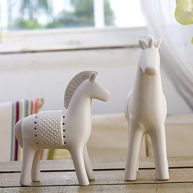 Soft time Nordic European modern boutique ceramic Faust horses ceramic horse ornaments size options