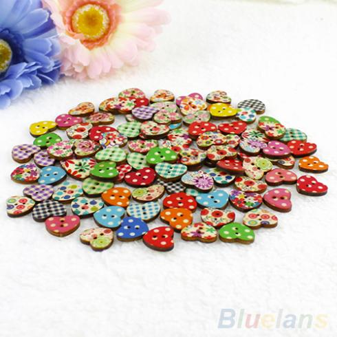 100 Multicolor Heart Shaped 2 Holes Wood Sewing Buttons Scrapbooking Knopf Bouton 1Q2A 483I