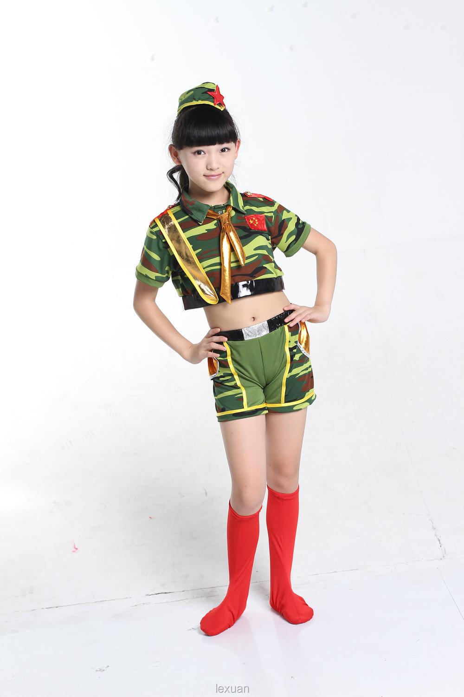 Сексуальные девушки в военной форме 14 фотография