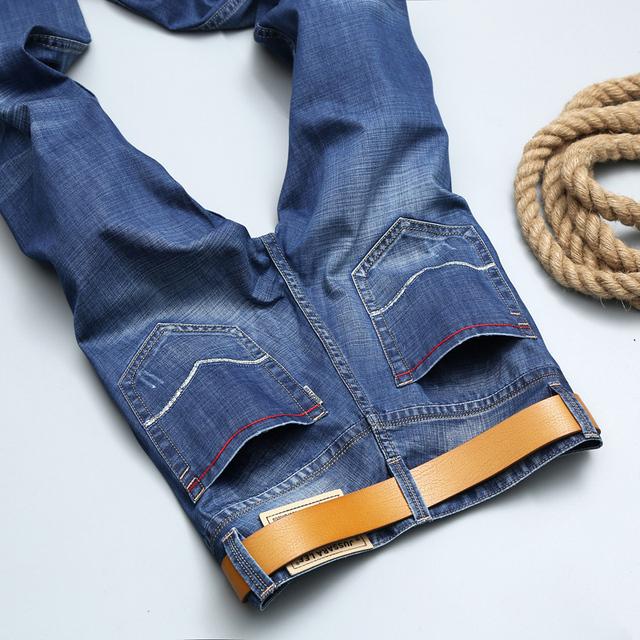 Новые 2016 знаменитый бренд мужчин джинсы Летом тонкий молодой человек джинсы брюки ...