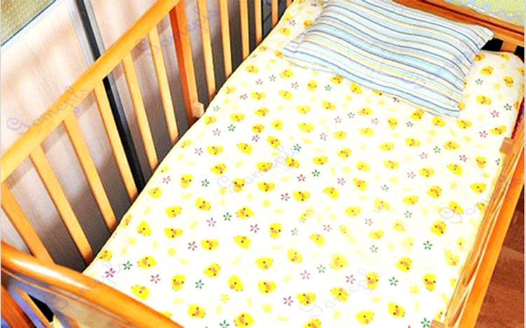 New Hot Baby Changing Pat Waterproof Products For Newborns Duckling Printed Portable Baby Diaper Nappy Changing Pat Mattress(China (Mainland))