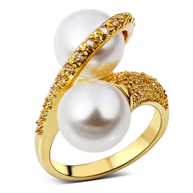 New popular rings for newlyweds: Gold diamond rings ladies