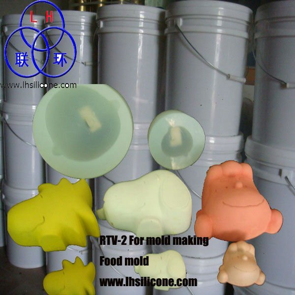 pouring liquid Silicon Rubber for Molds Making RTV m 15