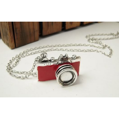 2015 Gift New Practical Superior Red Unique Vintage New Retro Camera Photographer Necklace(China (Mainland))