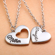 Fashion MOM Jewelry Mother Daughter Silver Heart Cutout Pendant Necklace for Women Best Family Gift