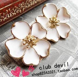 2015 New Brand designer New fashion Vintage Drip Jasmine Flower Stud Earrings White Flower Earrings Wholesale XY-E112(China (Mainland))