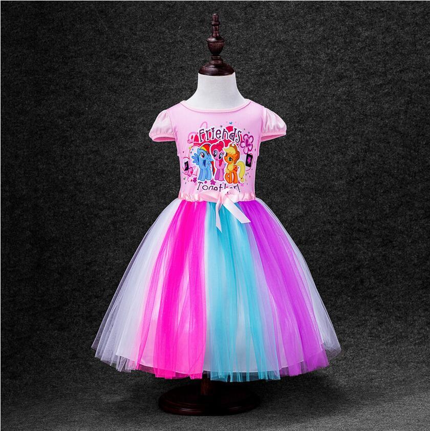 Смотреть как девушка с большими буферами и в каротком платье трахается 4 фотография