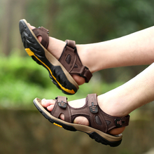 2016New men sandals slippers genuine leather cowhide male summer shoes outdoor casual suede leather sandals(China (Mainland))