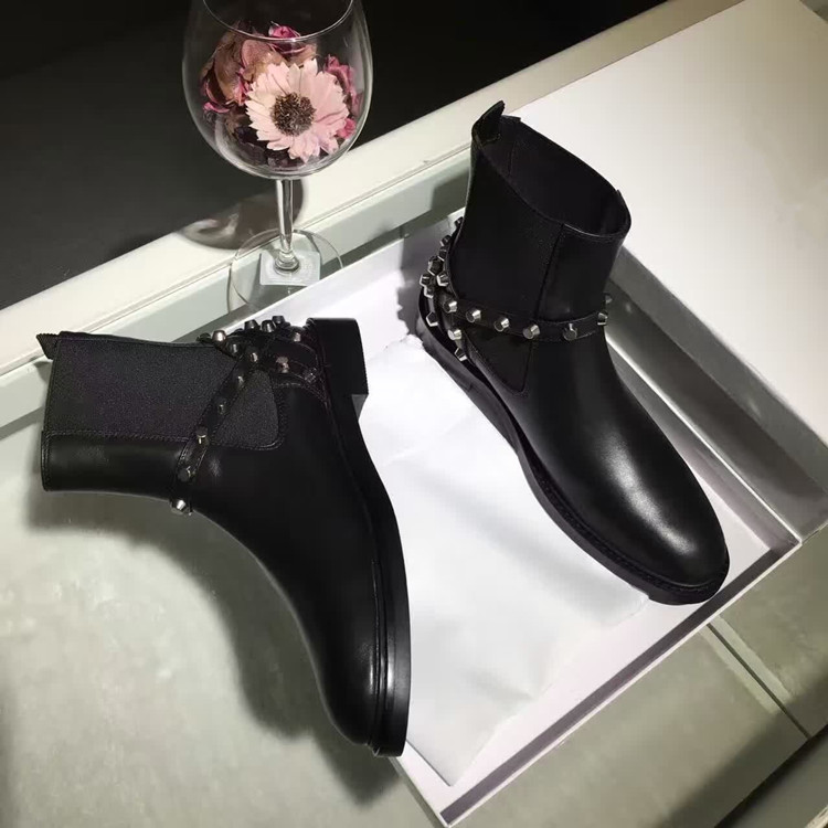 New Fashion Women Ankle Boots Studded Flats Chunky Heels Shoes Botas Autumn Dress Buckle Rivets Short Motorcycle Rain Booties(China (Mainland))