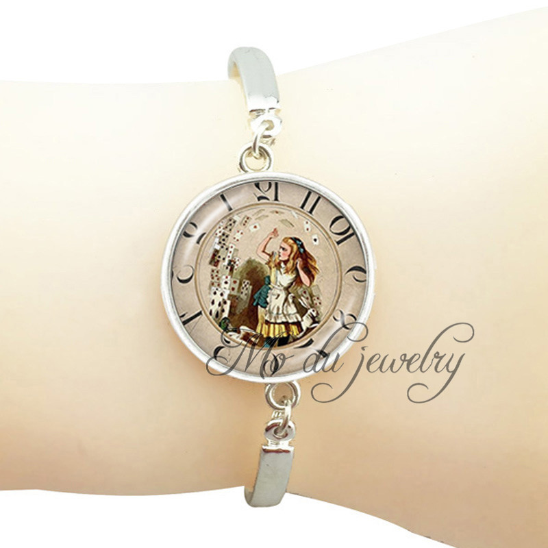 Alice in wonderland charm bracelet alice play poker fairy tale jewelry old clock photo bangle silver plated metal cuff bracelet(China (Mainland))
