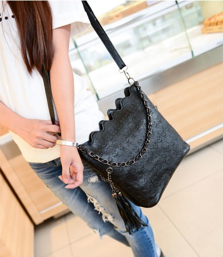 Female 2015 vintage skull chain cross body bag fashion girl one shoulder messenger tassel handbag halloween gift items MB158(China (Mainland))
