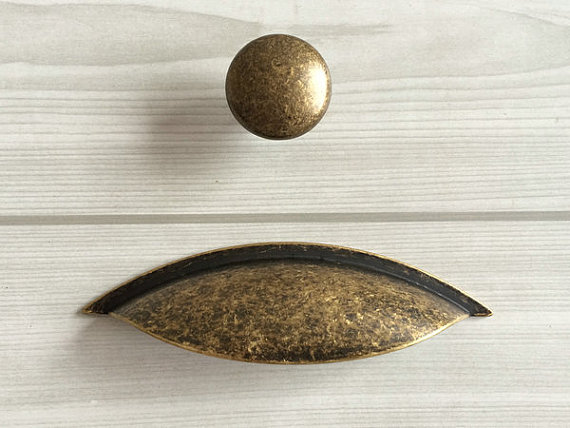 2 1/2 Dresser Knobs Pulls Drawer Knob Pulls Handles Knobs Rustic Antique Bronze Retro Kitchen Cabinet Door Pull Handle Bin Cup <br><br>Aliexpress