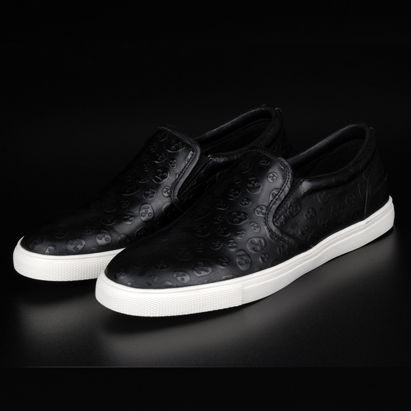 Business casual leather male trend of the foot wrapping leather shoes leather shoes casual shoes embossed skull<br>