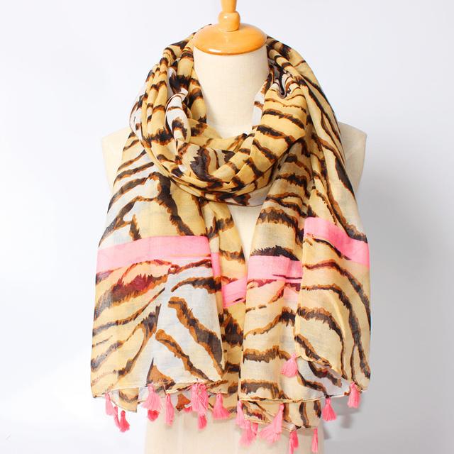 2016 новое поступление зима мода женщин бренд дизайн геометрия полосатый леопард розовый кисточки длинные сексуальная шарф