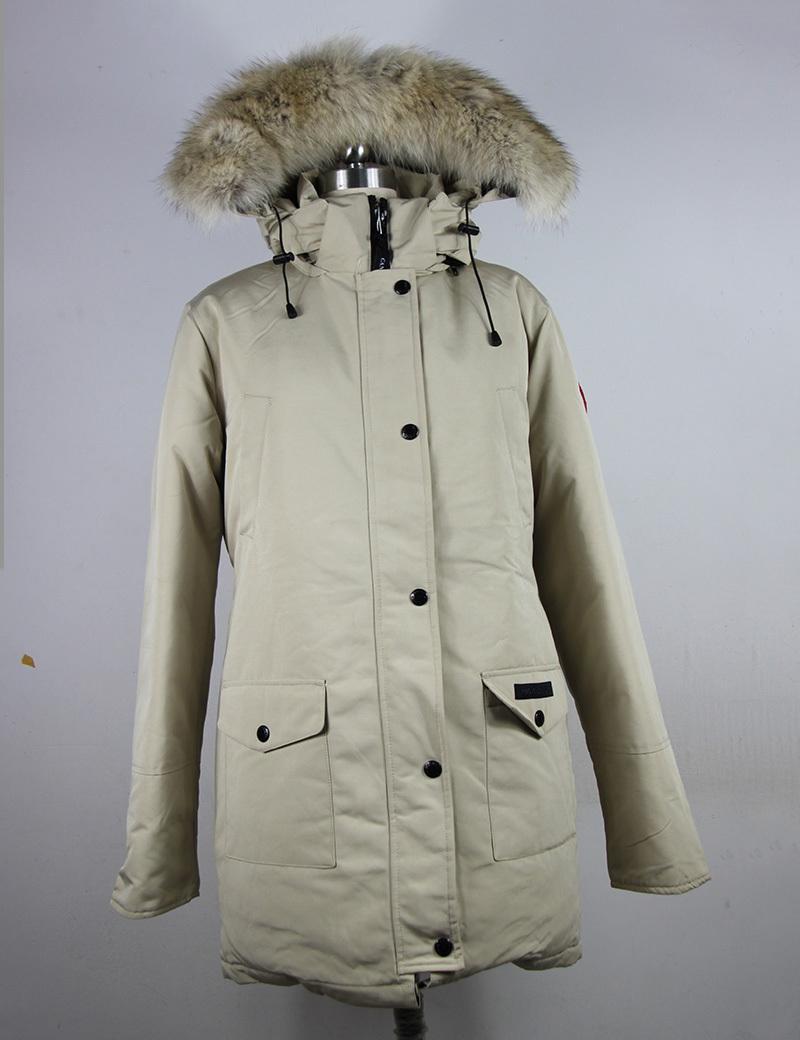 2015 Big Removeable Coyote Fur Womens Goose Down Jacket Winter Warm trillium parka Ladies Fashion Long Style CoatÎäåæäà è àêñåññóàðû<br><br>