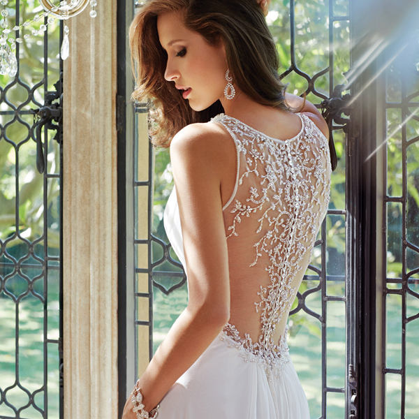 2016 Hot Selling Luxury A line Deep V neck Beaded White Chiffon Bridal Gown Court Train