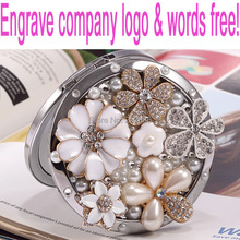 Engrave words free,wedding party gift for guests bridesmaid,bling crystal rhinestone flower,Beauty makeup compact pocket mirror(China (Mainland))