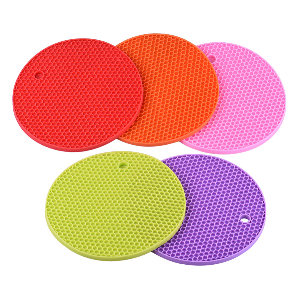 Non-Slip Heat Resistant Mat Colorful Round Coaster Cushion Placemat Pot Holder Table Silicone Mat Kitchen Accessories GD84(China (Mainland))