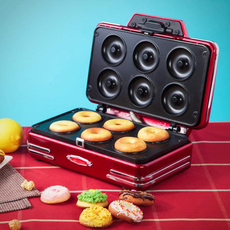 2016 Limited New Ce Hot Dog Gaufrier Waffle Iron 50's Retro Mini Donut Making Machine Baking Small Kitchen Appliances(China (Mainland))
