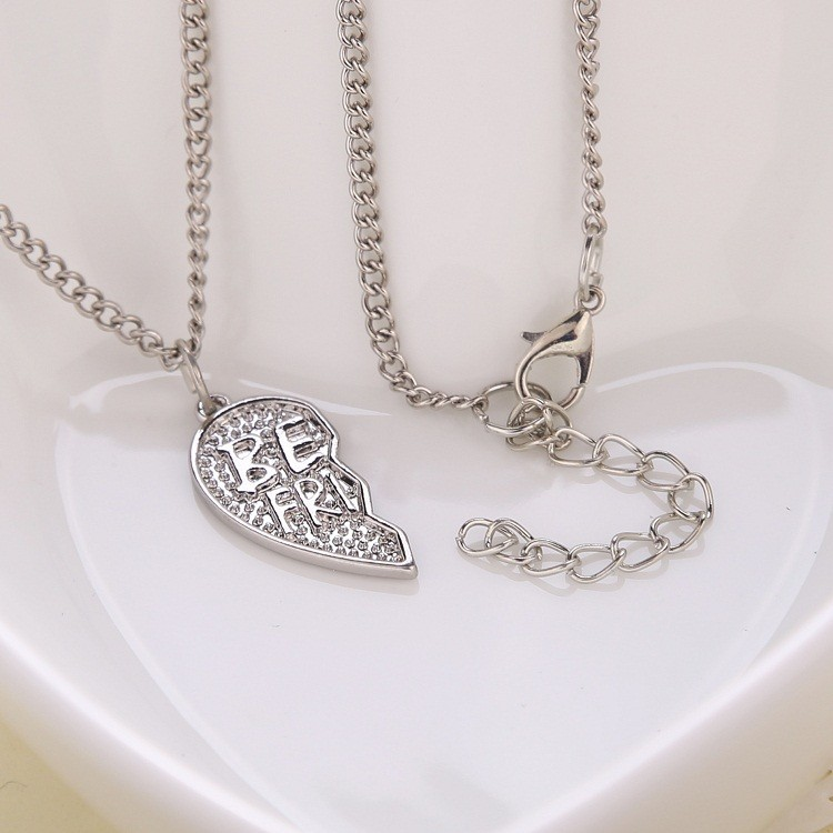 European and American Popular Jewelry 2pcs/set Heart shaped Pendant Best Friend Necklace Give the Girlfriends the best gift