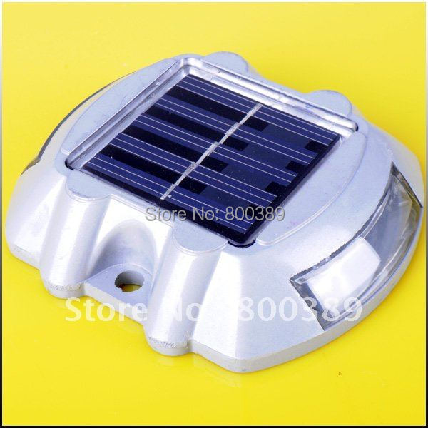Metal Solar Power LED Path Driveway Pathway Deck Light Outdoor Garden Road Dock Lamp 500M Visible Distance Security Lights(China (Mainland))