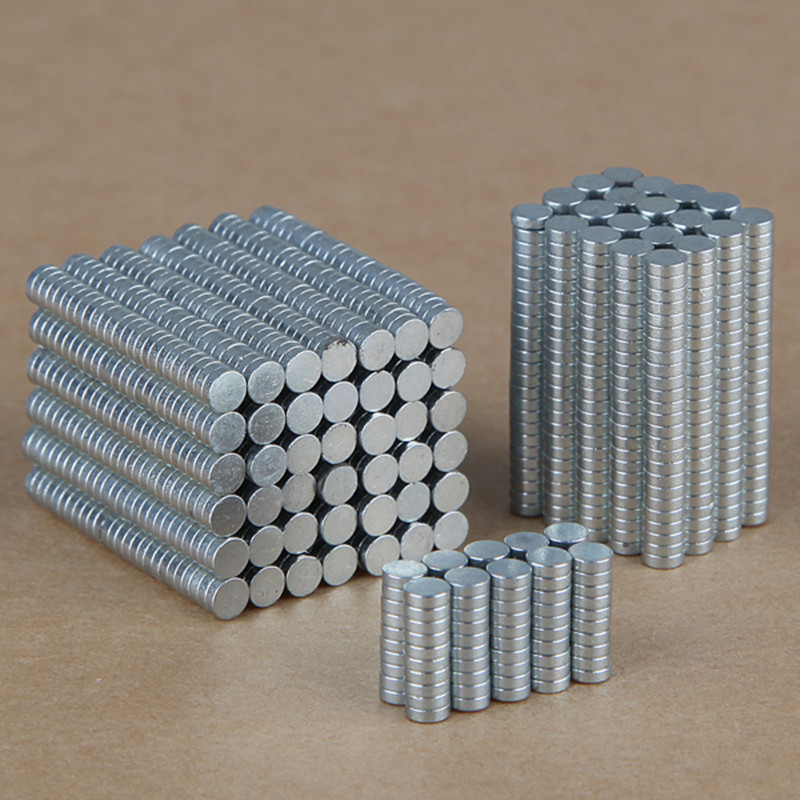 100PCS N35 Rare Earth Neodymium Super Strong Magnets Balls Magnet Cube Blocks Education Toys For Children 3mm x 1mm(China (Mainland))