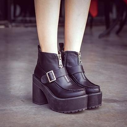 Фотография The European Winter Boots High Heeled Shoes Stand A Thick Soled Boots With Thick Fashionista Muffin Bottom Martin Boots