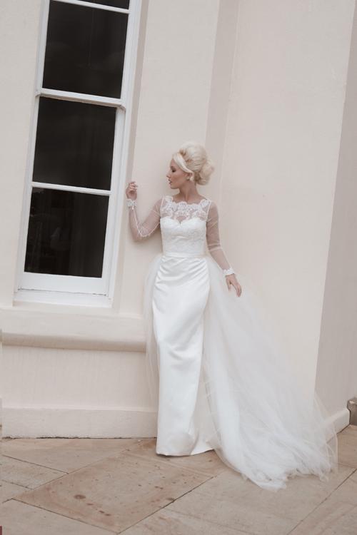 Длина пола карандаш юбка свадебное платье с illusion Шеи и назад кружева лиф длинные прозрачные рукава и съемный тюль поезд