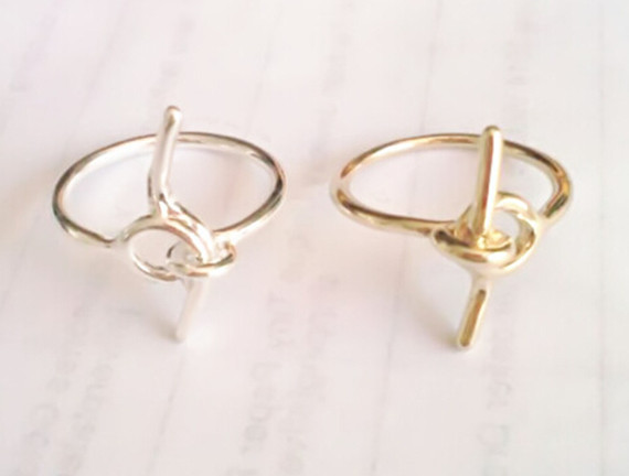 2015 Silver Plated Wedding Gift Ring Modern Metalwork Simple Couple Knot Tie Rings Women Men Jewelry(China (Mainland))